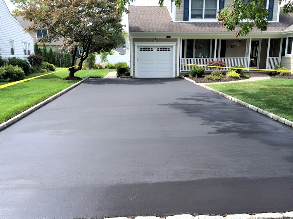 When is the best time of the year to seal or sealcoat your Naperville  driveway - Naperville Paving and Sealcoating
